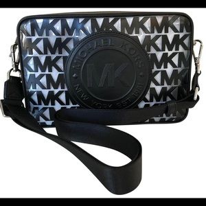 NEW MK FULTON SPORTS XBODY BAG